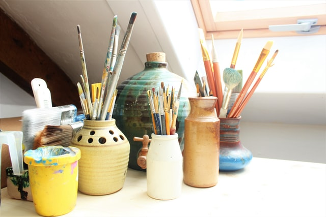 The Essential Items You Need in Your Art Studio